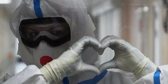 Please Breathe: Russians Collect Memories About Doctors Fighting Coronavirus